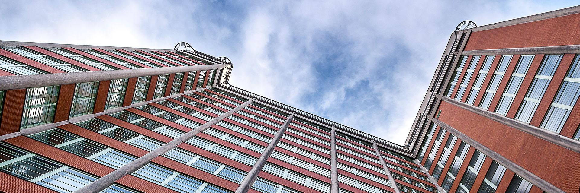 mrakodrap č. 21 ve Zlíně / fotografování architektury / fotograf Vojtěch Pavelčík
