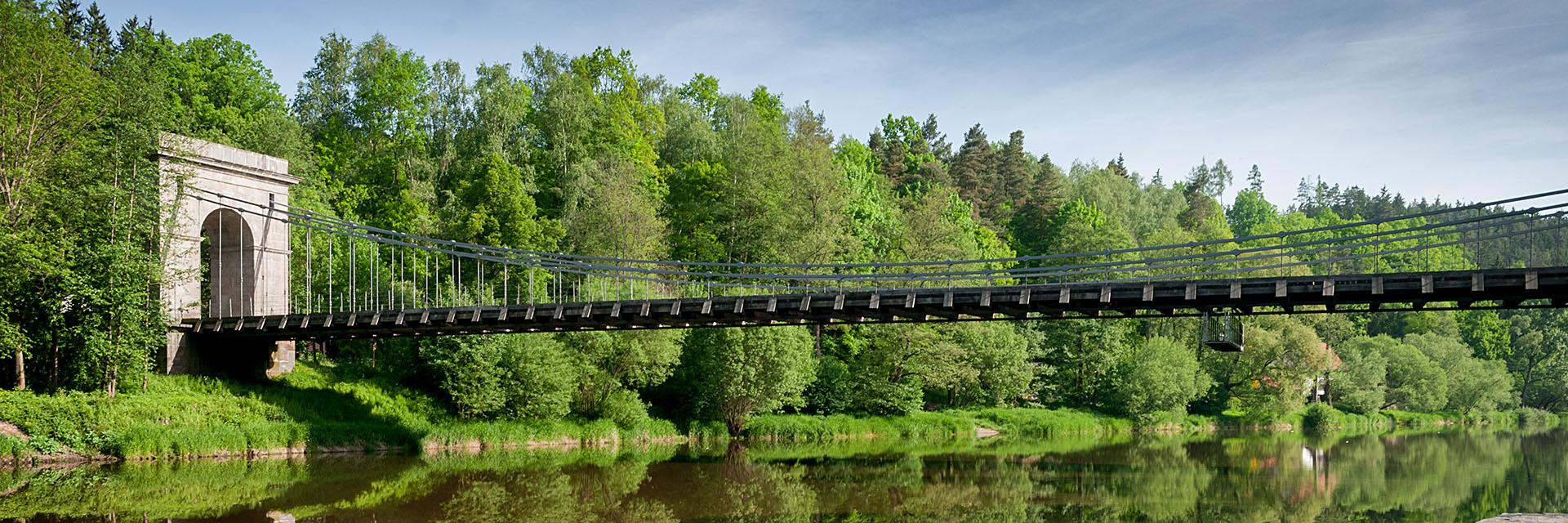 řetězový most u Stádlece / fotografování architektury / fotograf Vojtěch Pavelčík