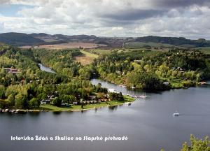 pohlednice / letoviska Ždáň a Skalice na Slapské přehradě / V16