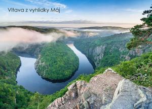 pohlednice / Vltava z vyhlídky Máj / V40