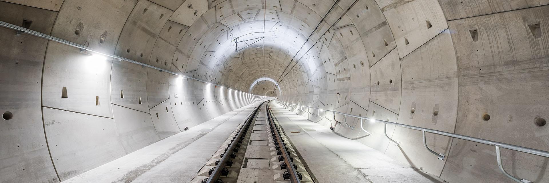 železniční tunel Ejpovice / fotografování architektury / fotograf Vojtěch Pavelčík